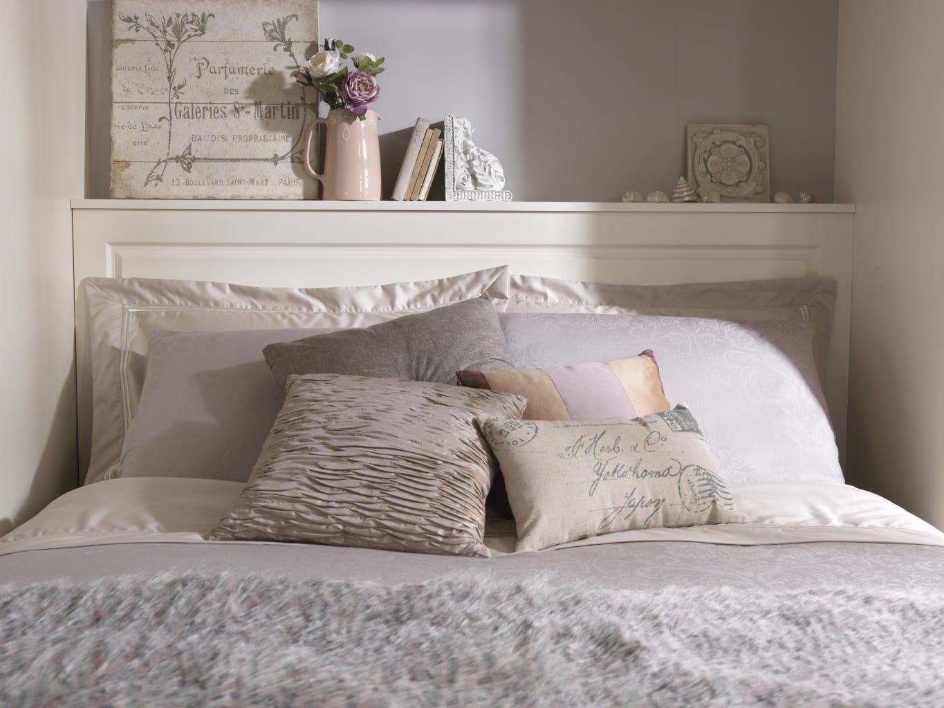 Focusing on the top of the bed, our classic Chelsea style fitted headboard